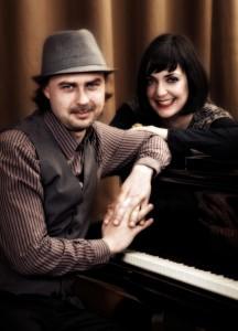 Hochzeitssängerin Anke Wagner im Duo mit Pianist