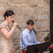 Hochzeitssängerin Anke Wagner mit Piano Begleitung beim Sektempfang